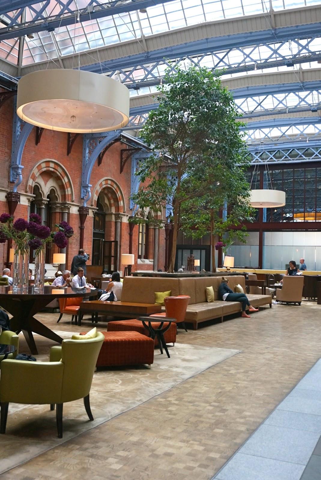 afternoon tea at st pancras renaissance hotel dancing in. Black Bedroom Furniture Sets. Home Design Ideas